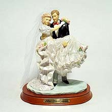 Newlyweds figurine
